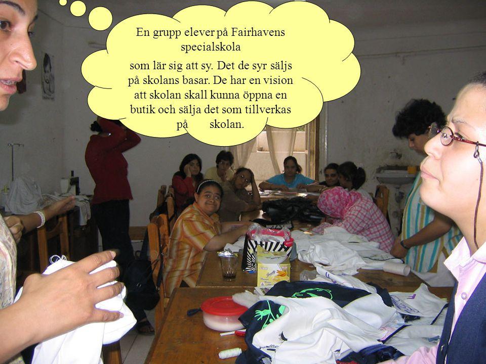 En grupp elever på Fairhavens specialskola som lär sig att sy.