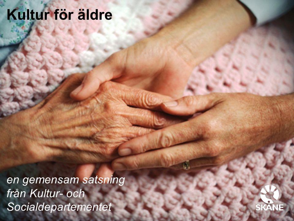 Guldstunder i de äldres vardag Fotograf Kennet Ruona Att stödja äldre människor i att kunna leva ett aktivt och kulturellt rikt liv i ett socialt sammanhang ger positiva hälsoeffekter.