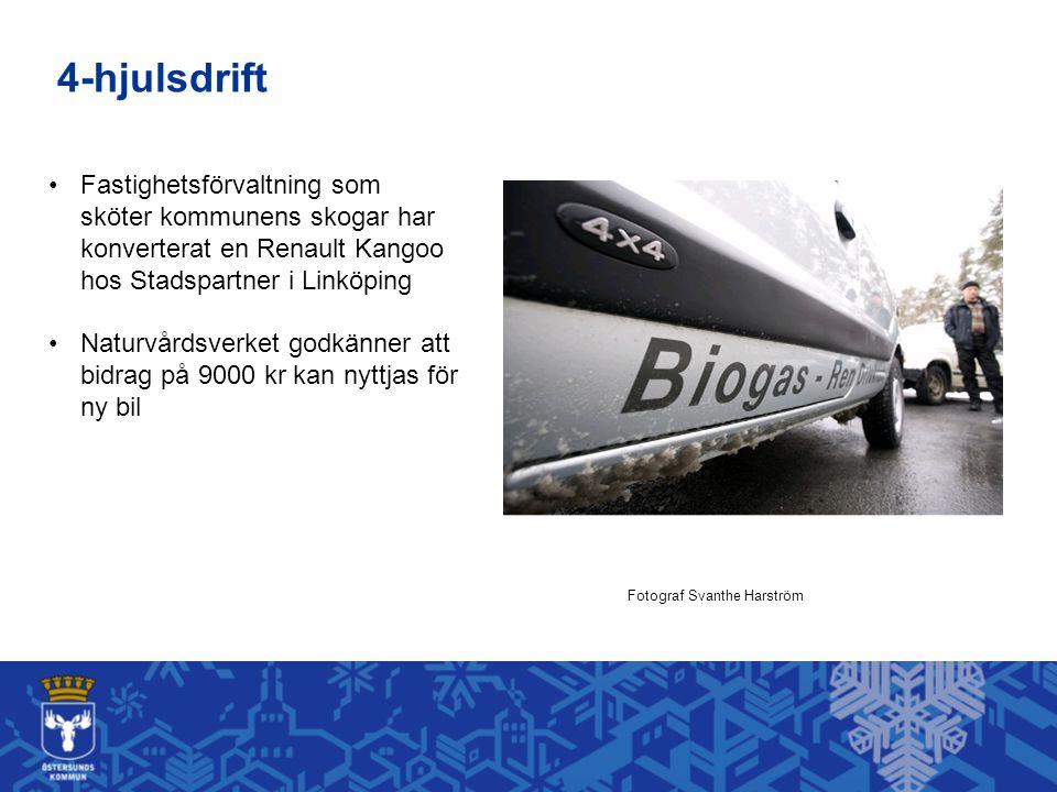 Fastighetsförvaltning som sköter kommunens skogar har konverterat en Renault Kangoo hos Stadspartner i Linköping Naturvårdsverket godkänner att bidrag på 9000 kr kan nyttjas för ny bil Fotograf Svanthe Harström 4-hjulsdrift