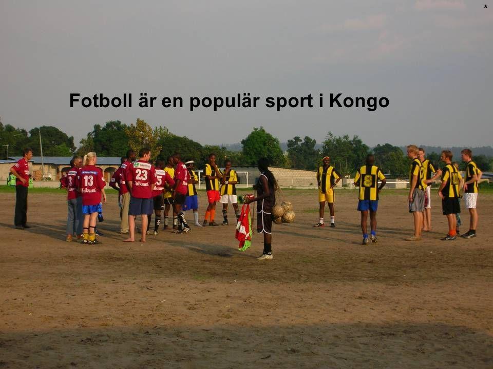 Fotboll är en populär sport i Kongo *
