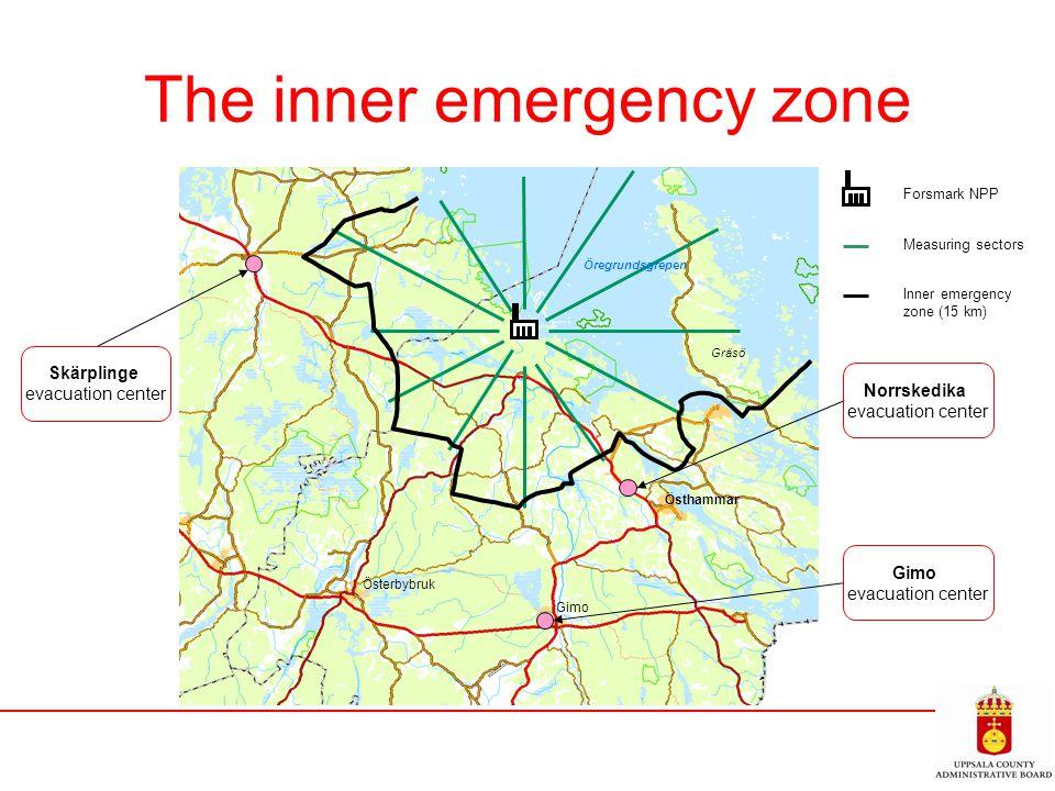 The inner emergency zone Östhammar Gimo Österbybruk Öregrundsgrepen Gräsö Forsmark NPP Measuring sectors Inner emergency zone (15 km) Skärplinge evacu