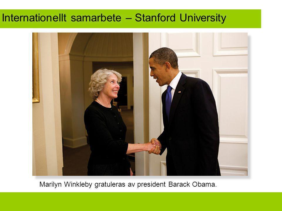 Internationellt samarbete – Stanford University Marilyn Winkleby gratuleras av president Barack Obama.