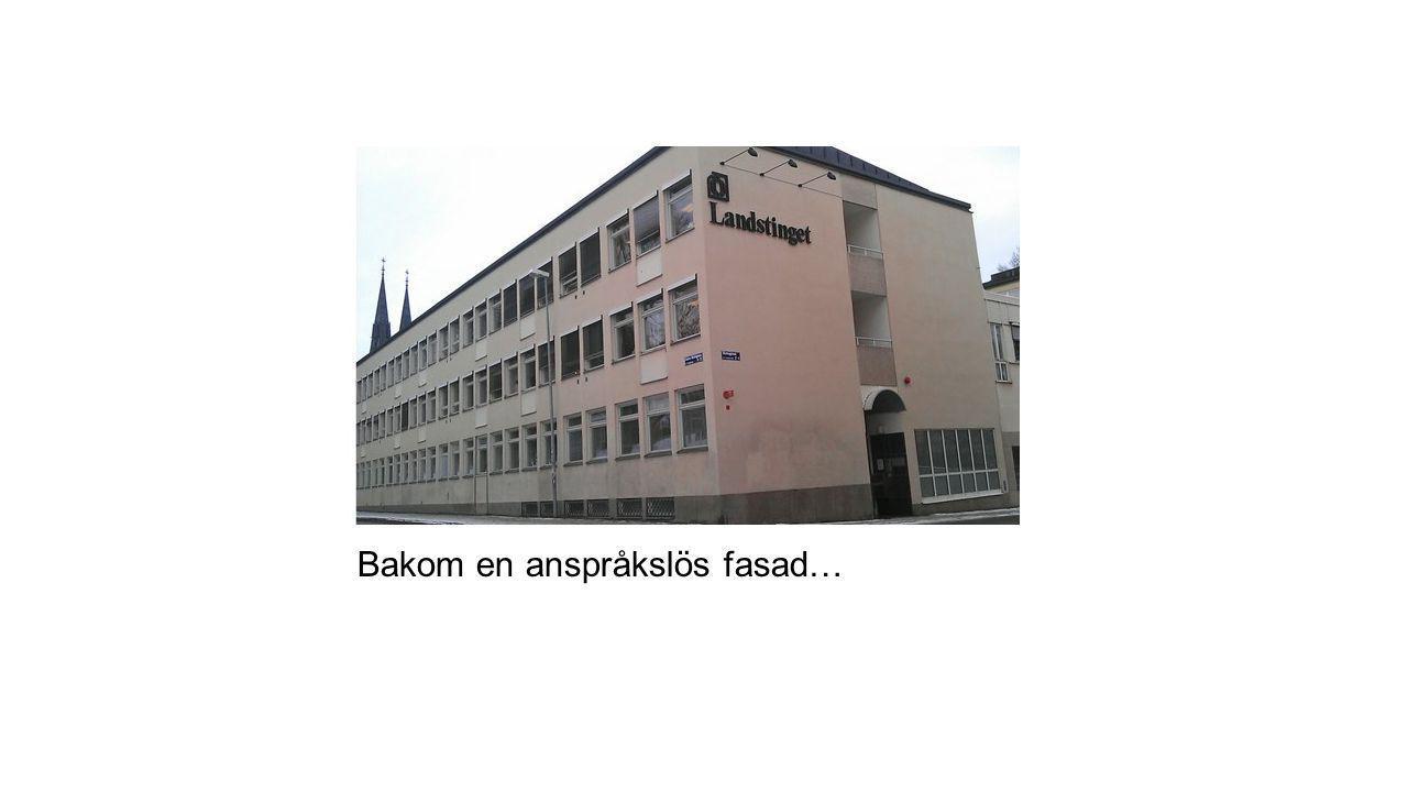 Bakom en anspråkslös fasad…