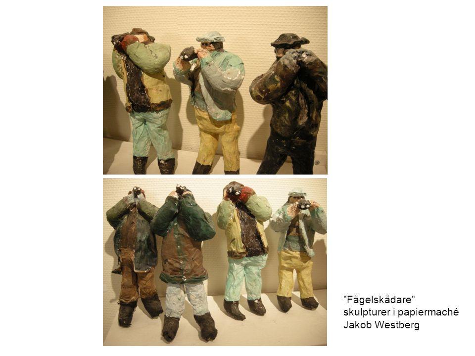"""""""Fågelskådare"""" skulpturer i papiermaché Jakob Westberg"""