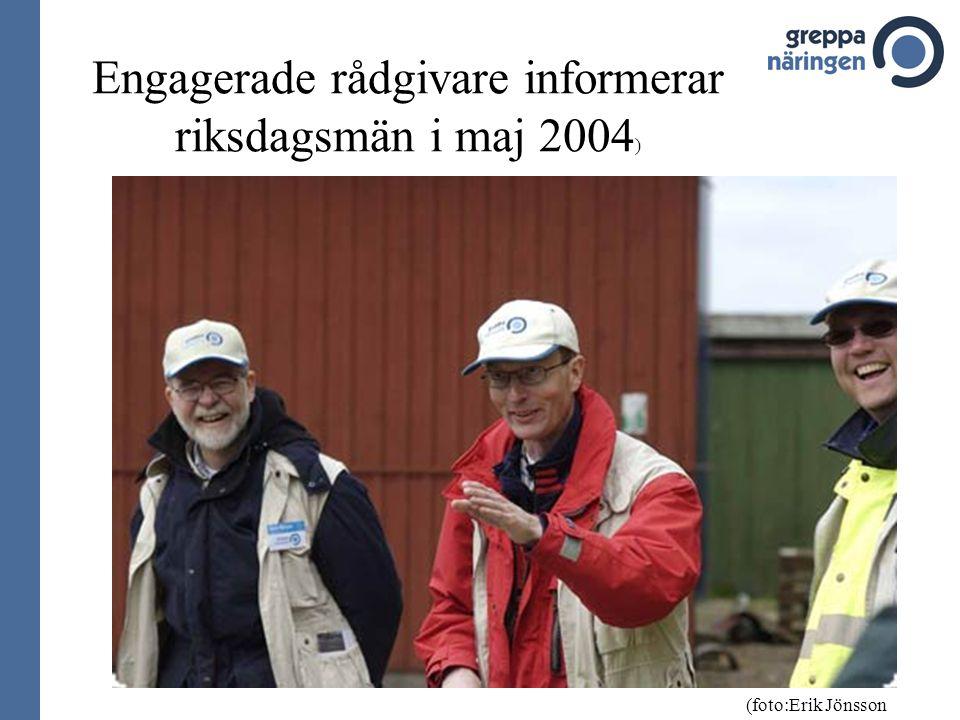 Engagerade rådgivare informerar riksdagsmän i maj 2004 ) (foto:Erik Jönsson