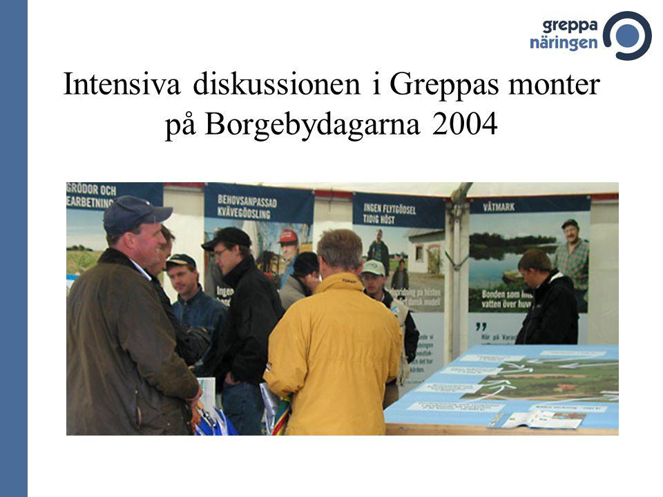 Intensiva diskussionen i Greppas monter på Borgebydagarna 2004