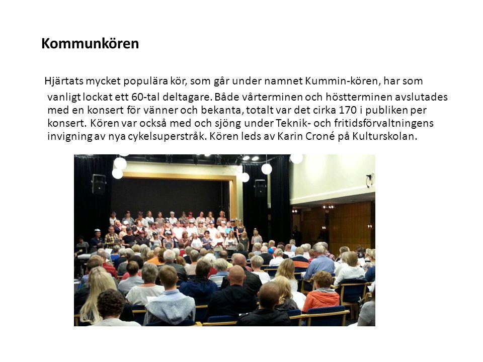 Kommunkören Hjärtats mycket populära kör, som går under namnet Kummin-kören, har som vanligt lockat ett 60-tal deltagare. Både vårterminen och höstter