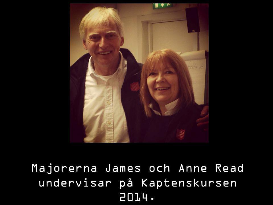 Majorerna James och Anne Read undervisar på Kaptenskursen 2014.