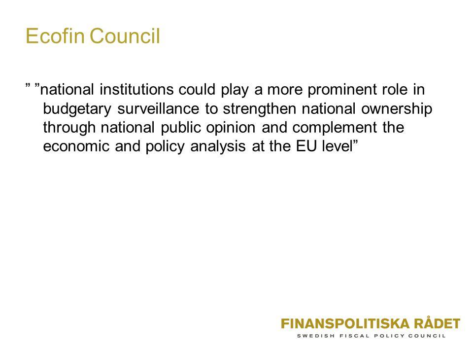 Huvudspår i den internationella diskussionen 1.Delegering av beslut till oberoende Fiscal Policy Committee - årligt budgetsaldo i förhållande till medelfristigt mål - ett eller flera finanspolitiska instrument som konjunkturpolitiskt medel 2.Rekommendationer om politiken från oberoende Fiscal Policy Council 3.Regeringen ska basera sina budgetkalkyler på kalkyler gjorda av ett oberoende råd Sverige: utvärdering ex post i stället för ex ante