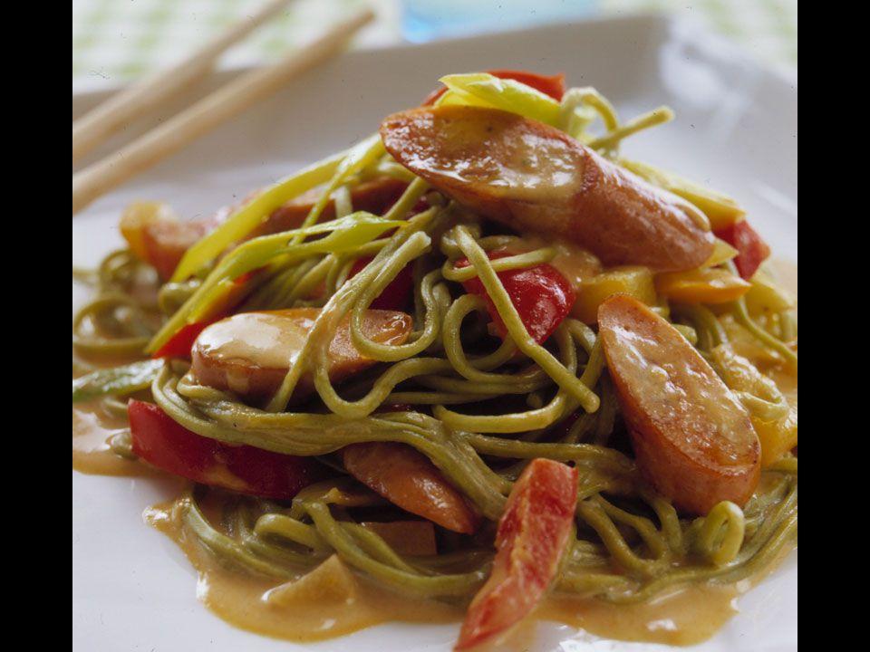 Asiatisk Sojakorv - 4 portioner 300 g Sojakorv Röd currypasta och kokosmjölk sätter smak och färg på den här läckra rätten.