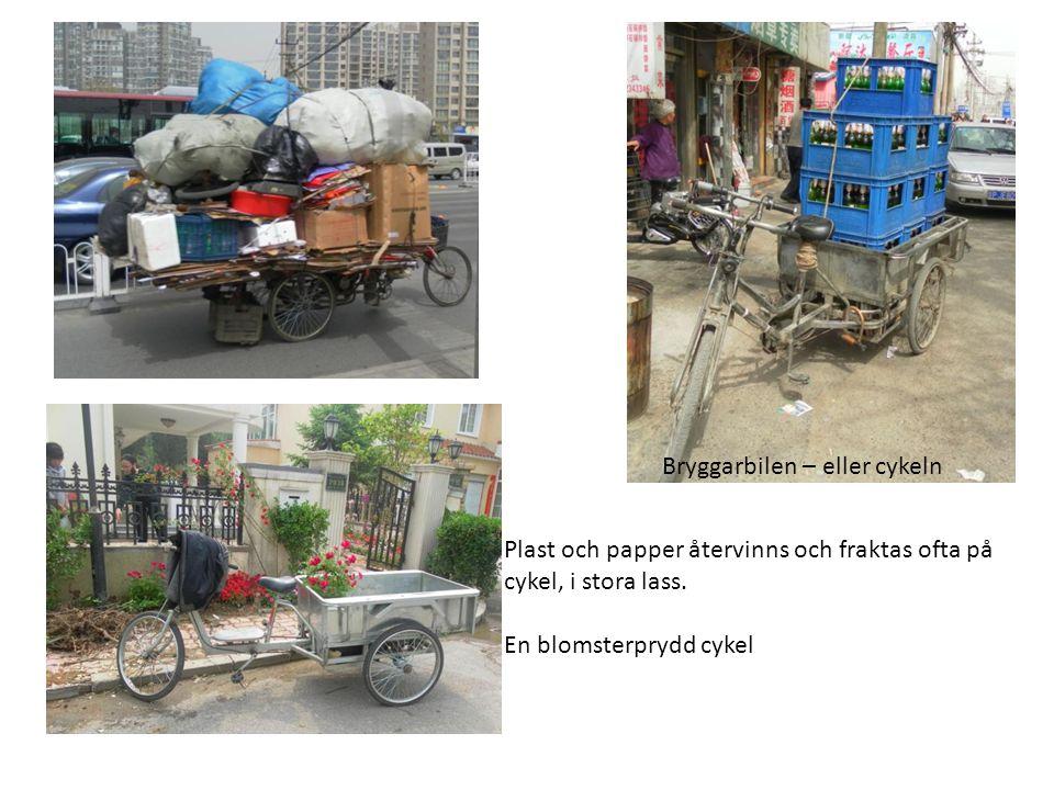 Plast och papper återvinns och fraktas ofta på cykel, i stora lass. En blomsterprydd cykel Bryggarbilen – eller cykeln