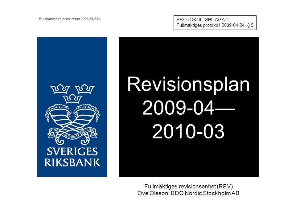 Fullmäktiges revisionsenhet (REV) Enligt arbetsordning och instruktion för Sveriges riksbank ska revisionsenhetens granskning vara inriktad på Efterlevnaden av arbetsordningen inom Riksbanken Direktionsledamöternas utövande av tjänsten Granskning och analys som grund för fullmäktiges förslag till riksdagen om vinstdisposition, samt Övriga frågor som ligger inom fullmäktiges ansvarsområde REV kommer i sitt arbete att ha kontakt med både Riksbankens internrevision och Riksrevisionen för att ta del av deras planering och rapporter.