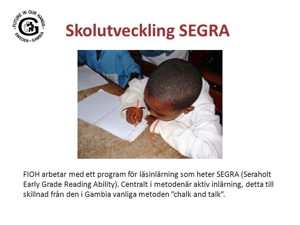 Skolutveckling SEGRA FIOH arbetar med ett program för läsinlärning som heter SEGRA (Seraholt Early Grade Reading Ability). Centralt i metodenär aktiv