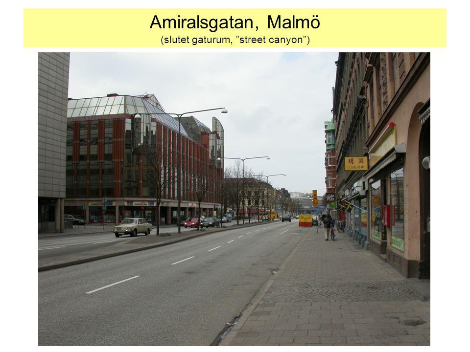 """Amiralsgatan, Malmö (slutet gaturum, """"street canyon"""")"""