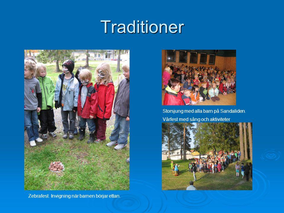 Traditioner Storsjung med alla barn på Sandaliden.