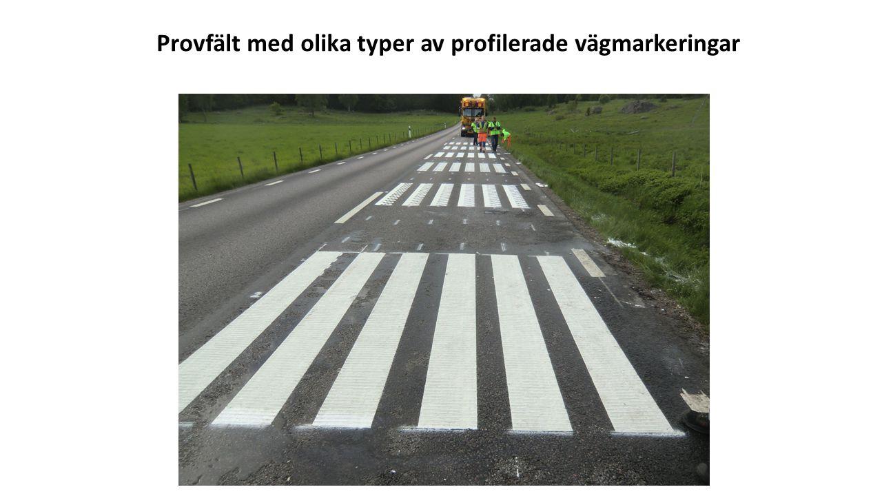 Provfält med olika typer av profilerade vägmarkeringar