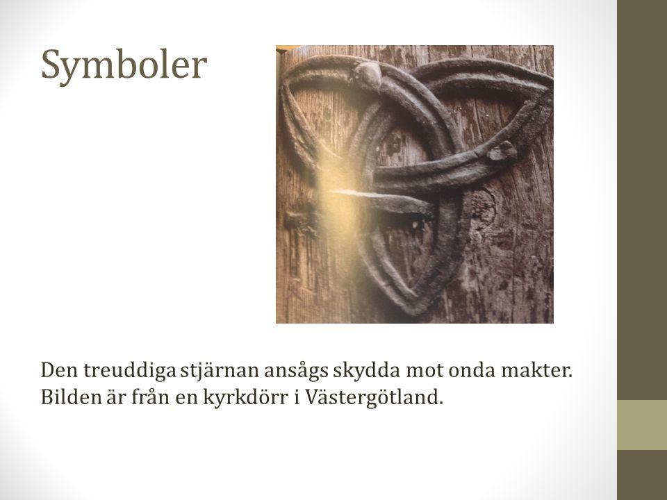Den treuddiga stjärnan ansågs skydda mot onda makter. Bilden är från en kyrkdörr i Västergötland.