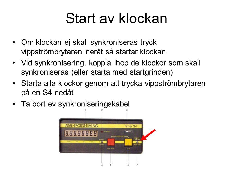 Start av klockan Om klockan ej skall synkroniseras tryck vippströmbrytaren neråt så startar klockan Vid synkronisering, koppla ihop de klockor som ska
