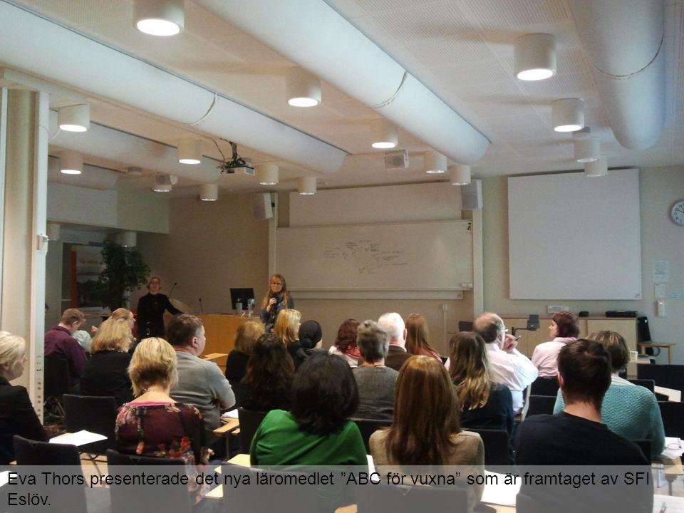 Eva Thors presenterade det nya läromedlet ABC för vuxna som är framtaget av SFI Eslöv.