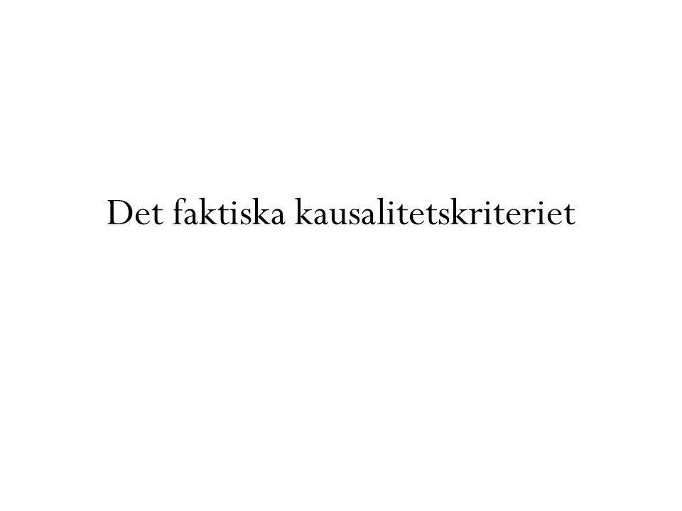 Kausalitetsvärderingen Efter att orsaksbedömningen gjorts (eventuellt implicit) och övriga kriterier för ansvar konstaterats kan skadevållaren ändå undgå ansvar om orsakssambandet var inadekvat Adekvansläran en stark ställning i svensk rätt – det dominerande verktyget för kausalitetsvärdering Grundtanke: Slumpmässiga effekter skall inte grunda skadeståndsskyldighet