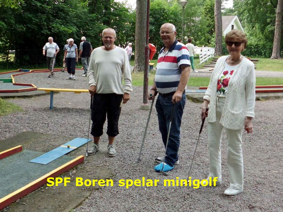SPF Boren spelar minigolf