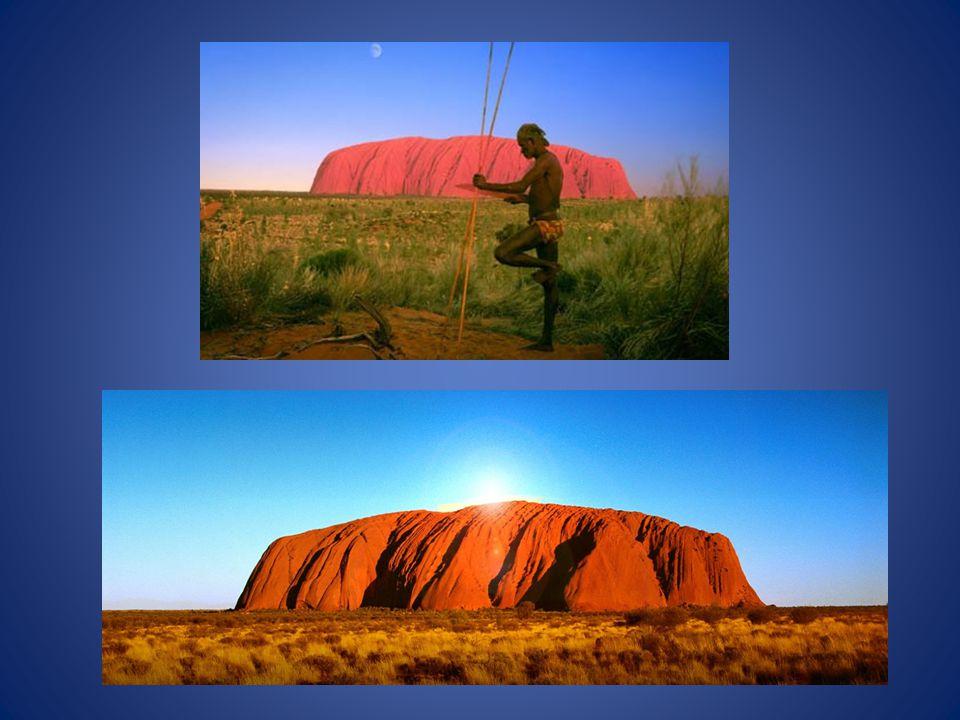 Uluru är en 500 miljoner år gammal sandsten i området Northern Territory i Australien Stenen står kvar där omgivande berggrund har eroderats bort.