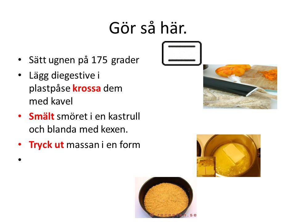 Rör ihop färskost, kesella, socker, vaniljsocker, äggulor, rivet citronskal och – juice till jämn smet.