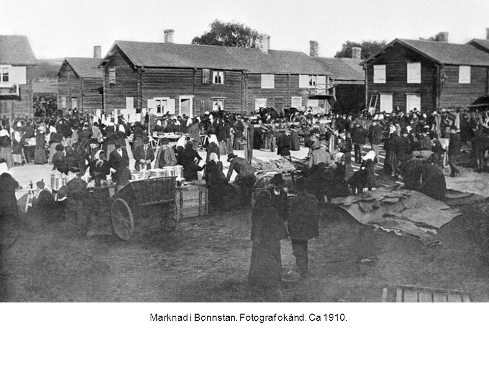 Marknad i Bonnstan. Fotograf okänd. Ca 1910.