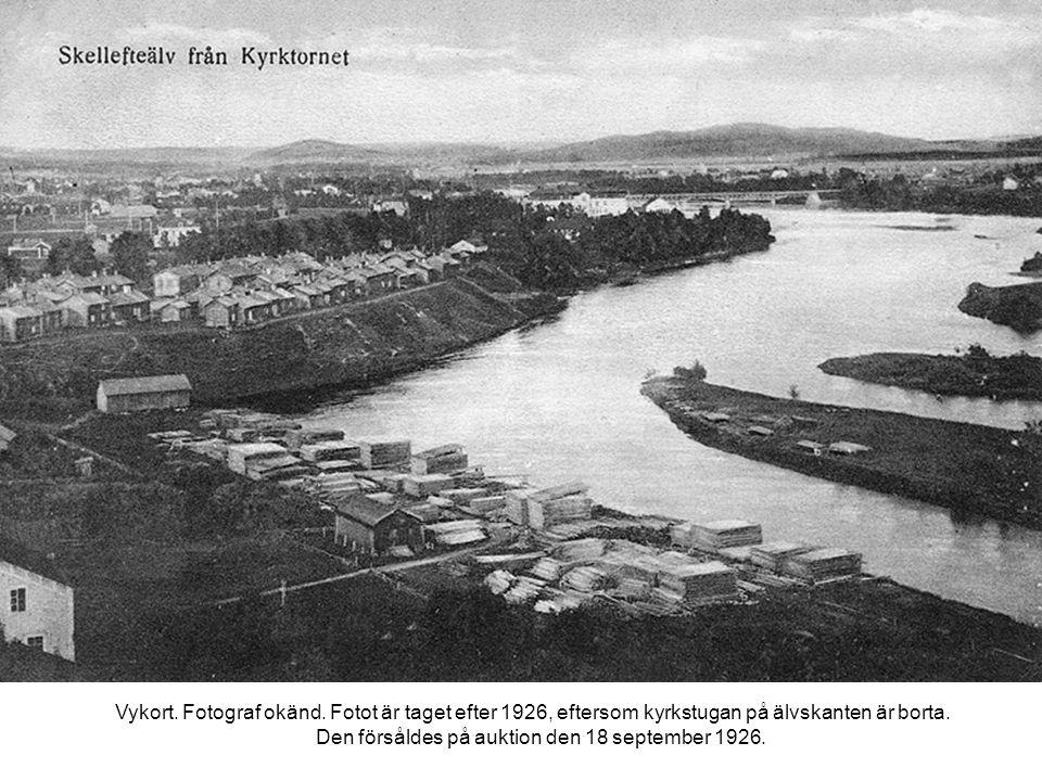 Vykort. Fotograf okänd. Fotot är taget efter 1926, eftersom kyrkstugan på älvskanten är borta.