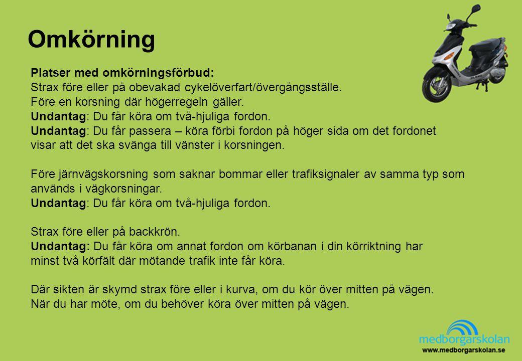 Omkörning Strax före eller på obevakade cykelöverfarter/övergångsställen är det förbjudet att köra om spårvagnen.