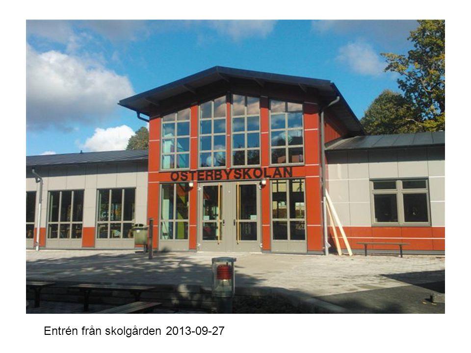 Entrén från innergården 2013-09-27