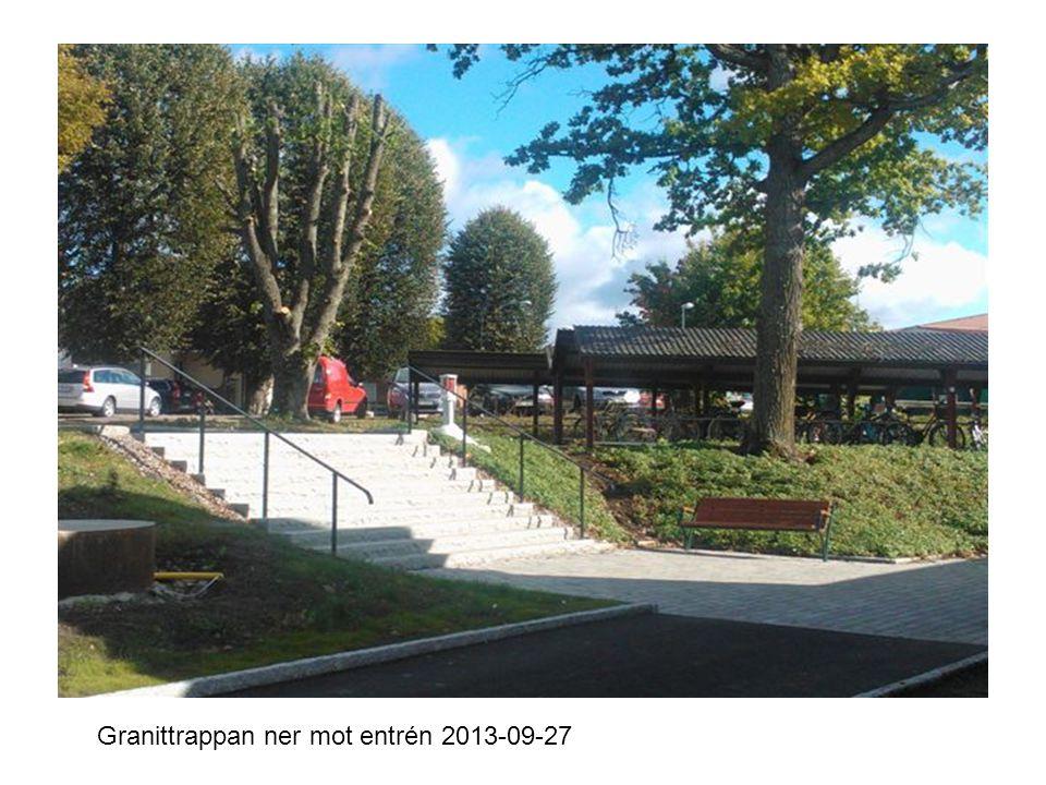Hus D från skolgården 2013-09-27