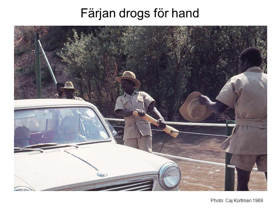 Färjan drogs för hand Photo: Caj Kortman 1969