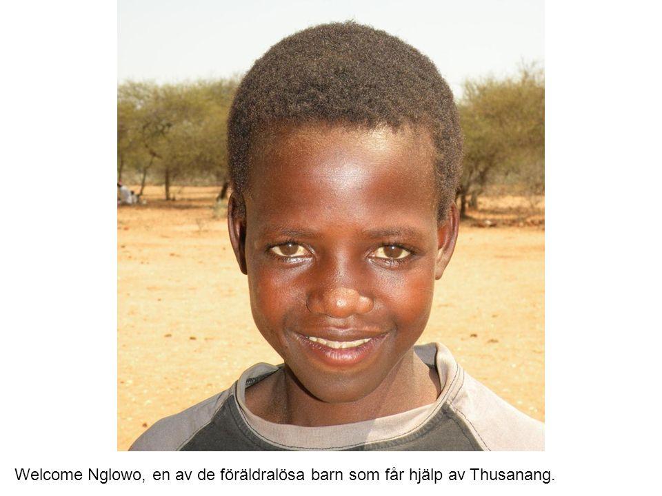 Welcome Nglowo, en av de föräldralösa barn som får hjälp av Thusanang.