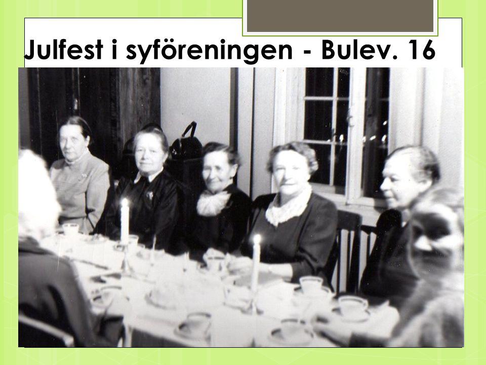 Norra syförening för Lugnet Syföreningen 1950 arbetade vidare i Helsingfors med möten, samlingar, fester & basarer.