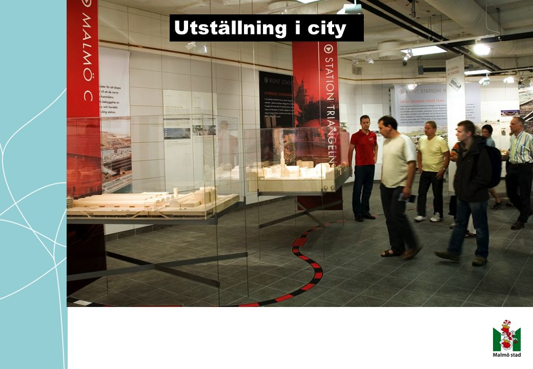 201 0- 11- 12/ AM E/IN FO Utställning i city