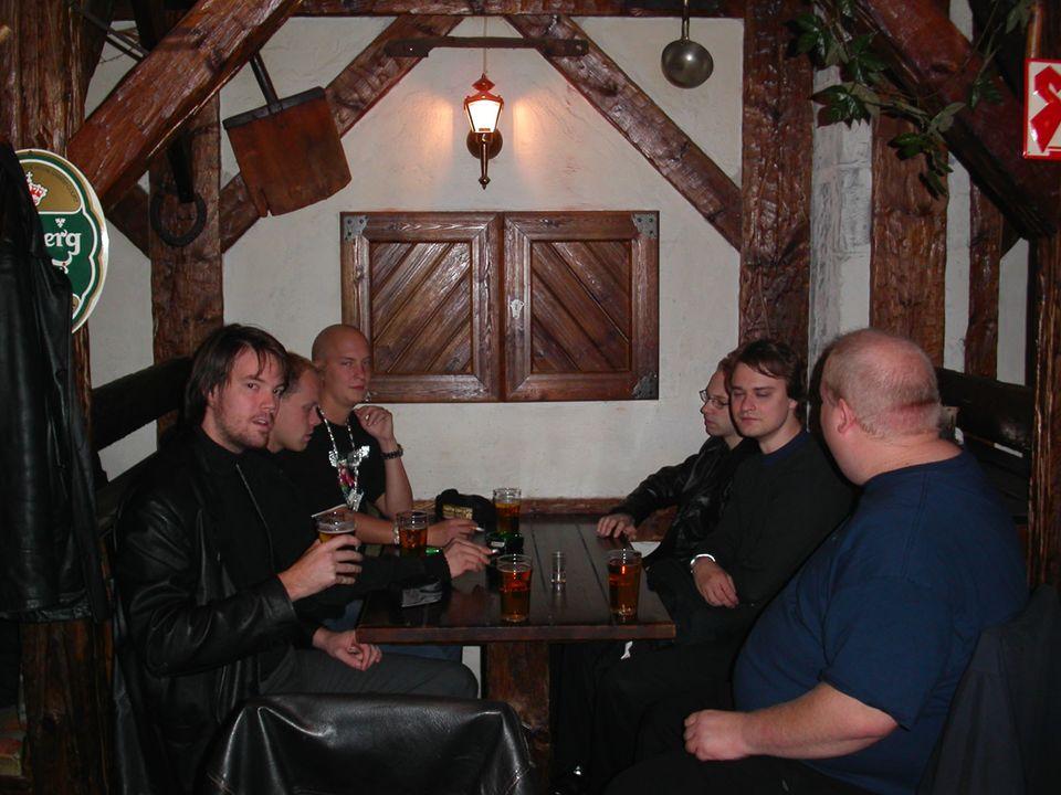 Axelsberg Ett riktigt westernhak (El Bocado) där de får slut på öl i fatet efter att Daniel och Tomas har beställt öl.