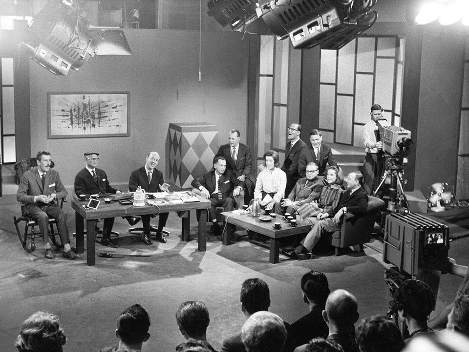 Underhållning TV skulle finnas för i första hand två saker: Underhållning och information.