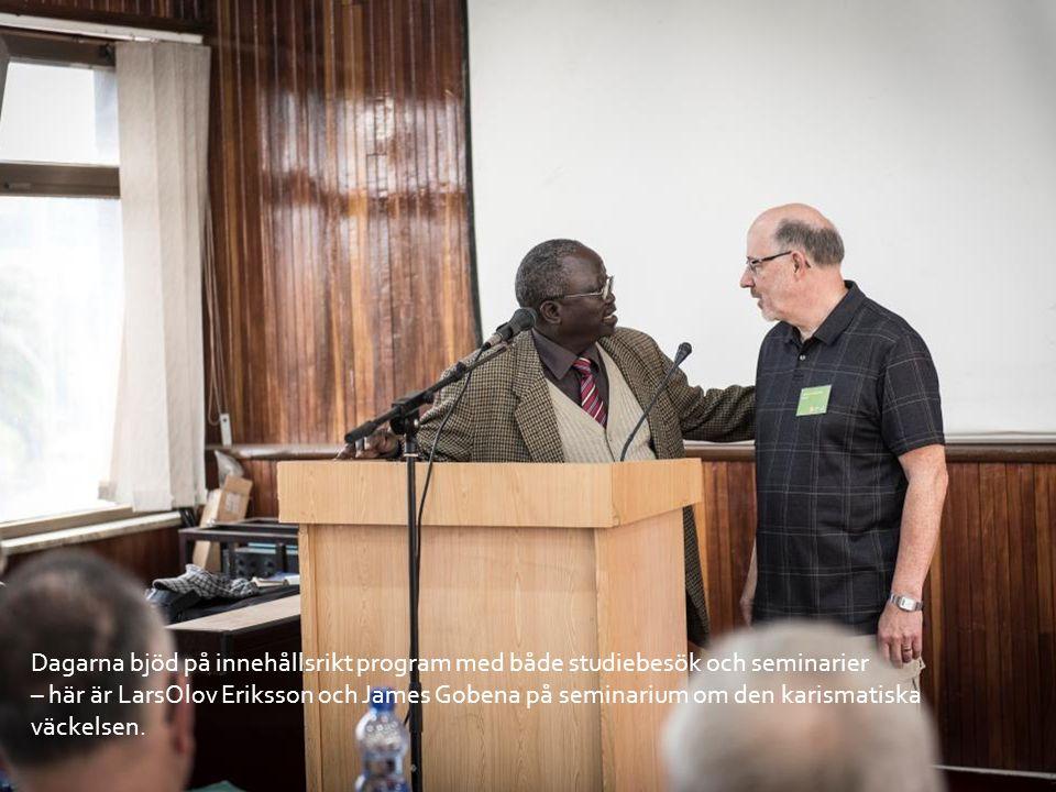 Dagarna bjöd på innehållsrikt program med både studiebesök och seminarier – här är LarsOlov Eriksson och James Gobena på seminarium om den karismatiska väckelsen.
