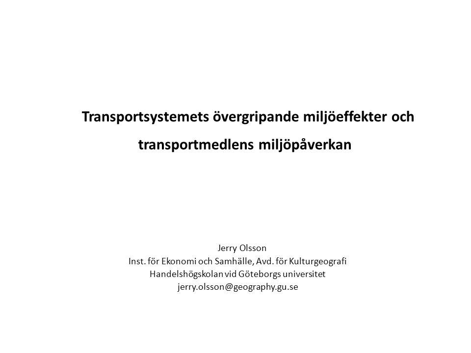 Persontransporter – 60–70 % av energikonsumtionen inom transportsektorn – Bilen dominerar – Ökade inkomster, bilinnehav och reslängd Godstransporter – Domineras av järnväg och sjöfart, de två mest energieffektiva transportslagen Sedan 1950-talet har transporternas andel av totala oljekonsumtionen ökat markant – Ca.