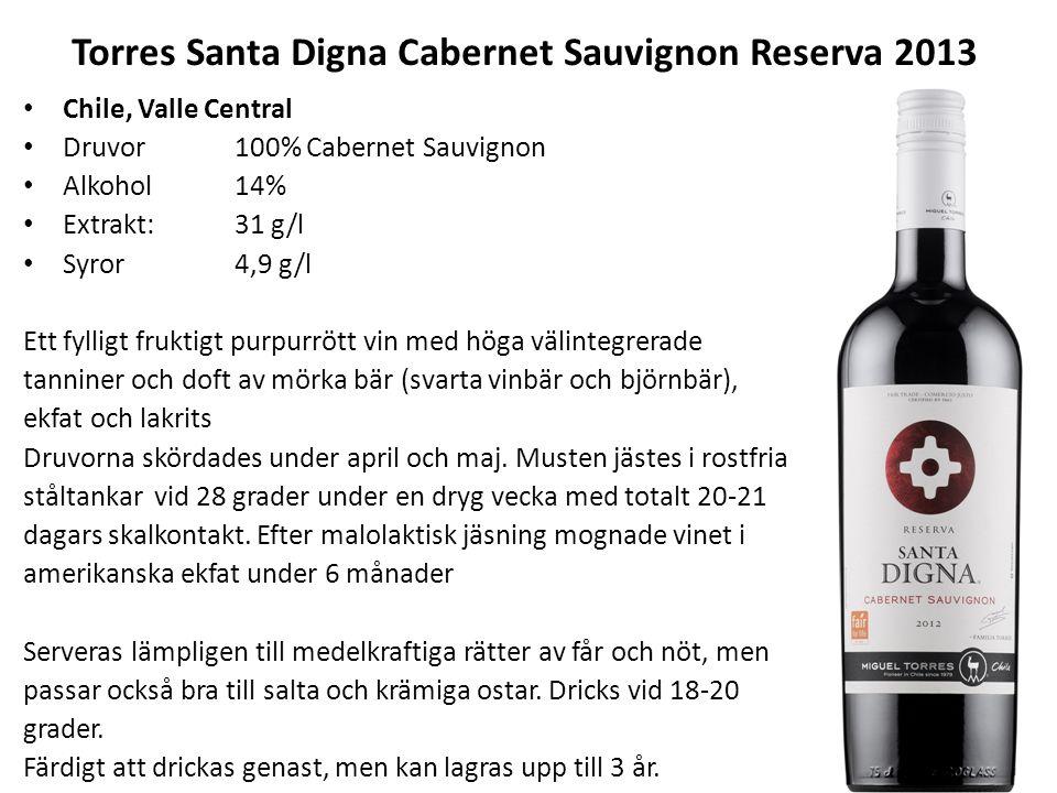 Torres Santa Digna Cabernet Sauvignon Reserva 2013 Chile, Valle Central Druvor100% Cabernet Sauvignon Alkohol 14% Extrakt:31 g/l Syror4,9 g/l Ett fylligt fruktigt purpurrött vin med höga välintegrerade tanniner och doft av mörka bär (svarta vinbär och björnbär), ekfat och lakrits Druvorna skördades under april och maj.