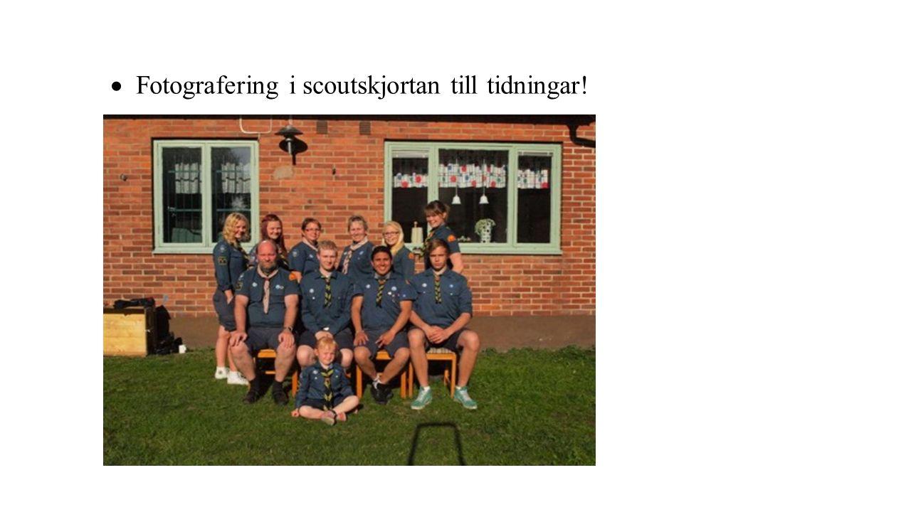  Fotografering i scoutskjortan till tidningar!