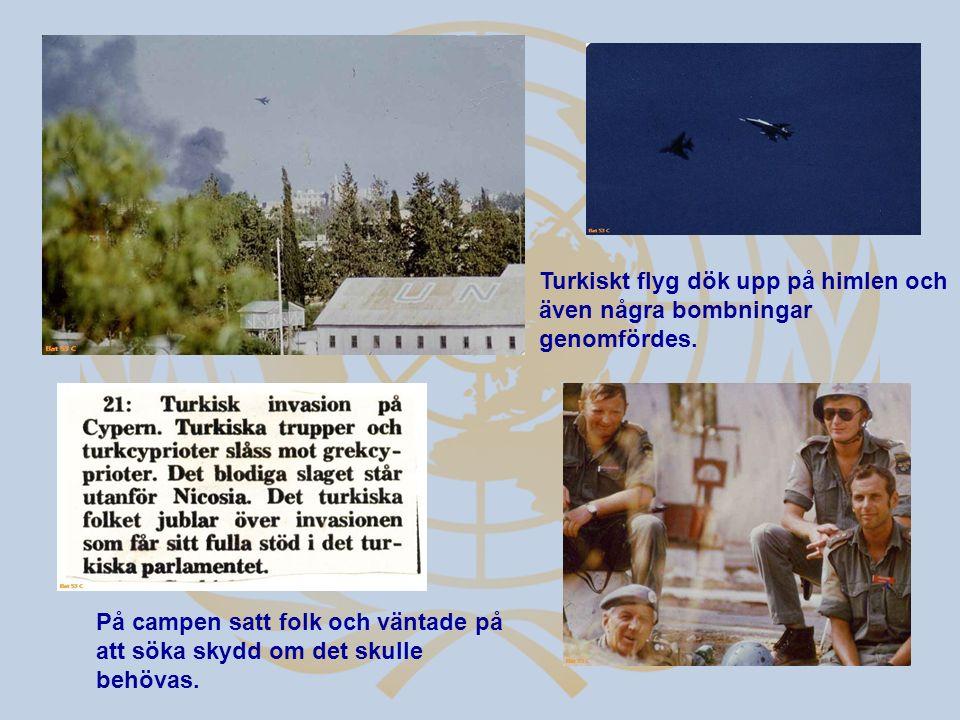 Turkiskt flyg dök upp på himlen och även några bombningar genomfördes. På campen satt folk och väntade på att söka skydd om det skulle behövas.