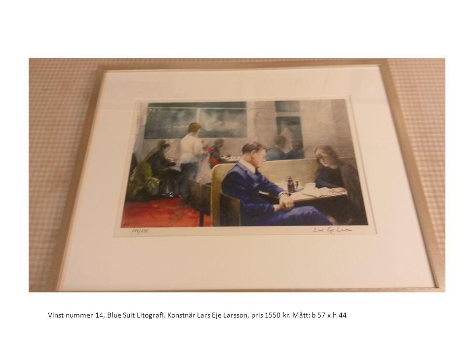 Vinst nummer 14, Blue Suit Litografi. Konstnär Lars Eje Larsson, pris 1550 kr. Mått: b 57 x h 44