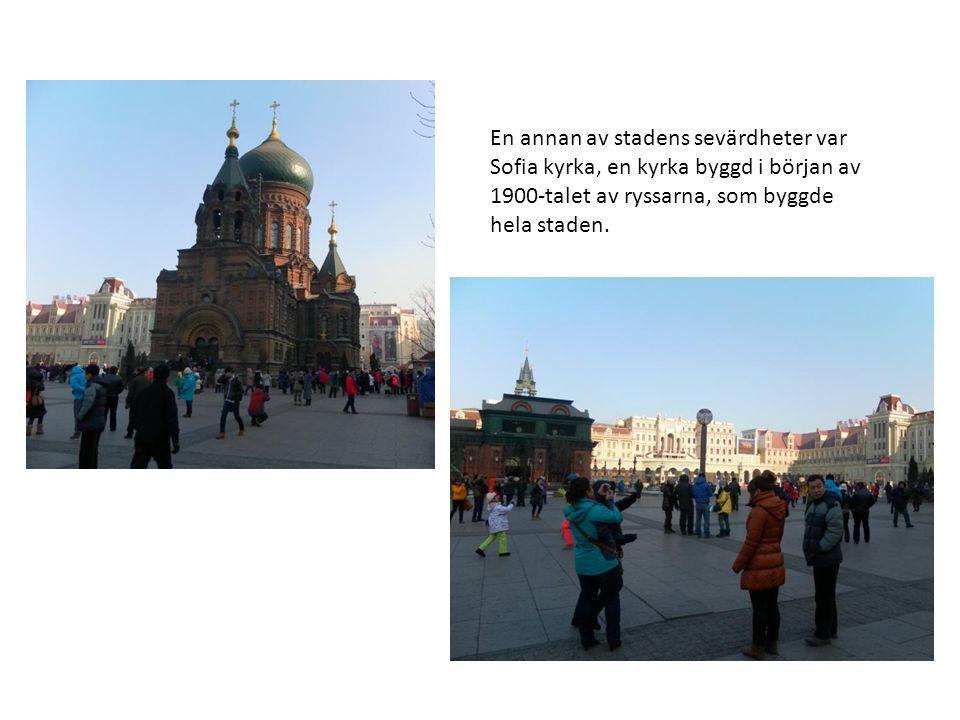 En annan av stadens sevärdheter var Sofia kyrka, en kyrka byggd i början av 1900-talet av ryssarna, som byggde hela staden.