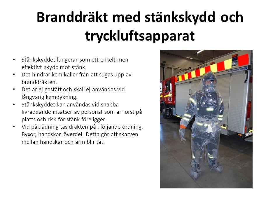 Branddräkt med stänkskydd och tryckluftsapparat • Stänkskyddet är förbrukat efter en användning och skall därefter inte användas skarpt.