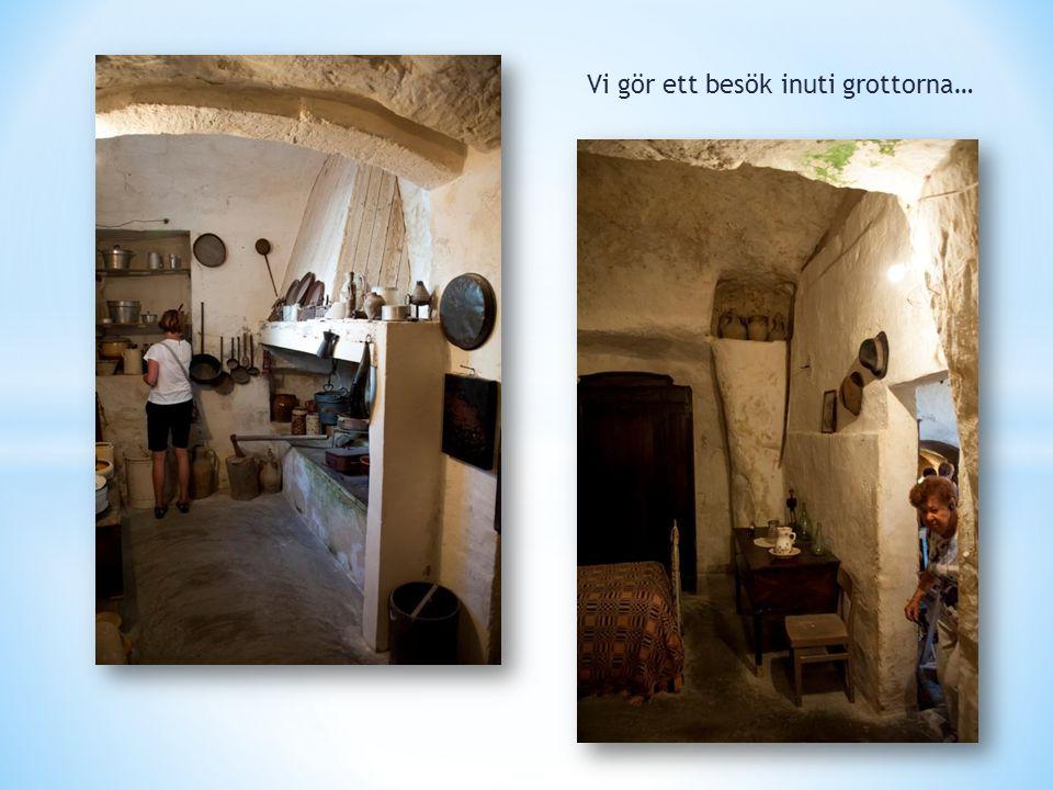 Vi gör ett besök inuti grottorna…