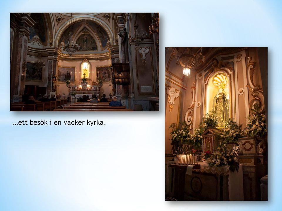 …ett besök i en vacker kyrka.