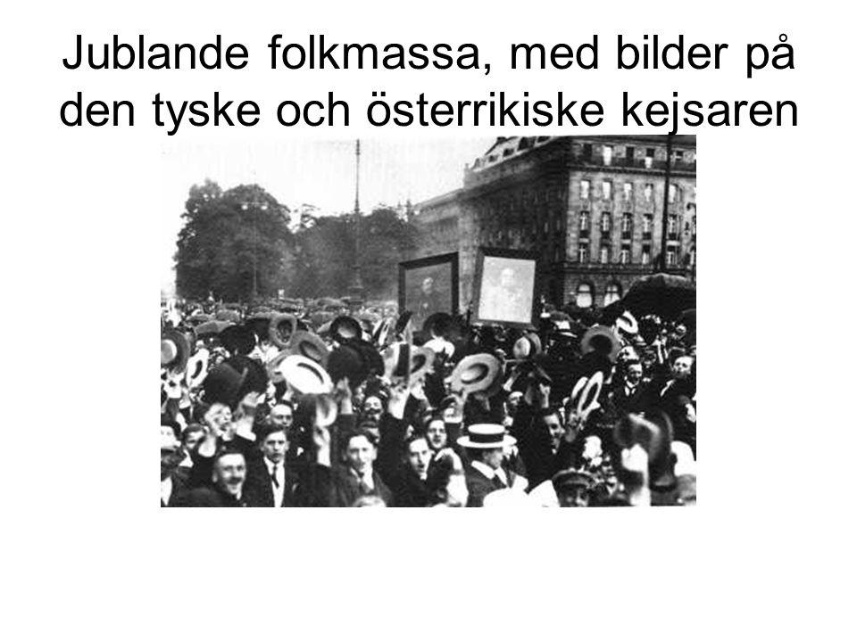 Jublande folkmassa, med bilder på den tyske och österrikiske kejsaren