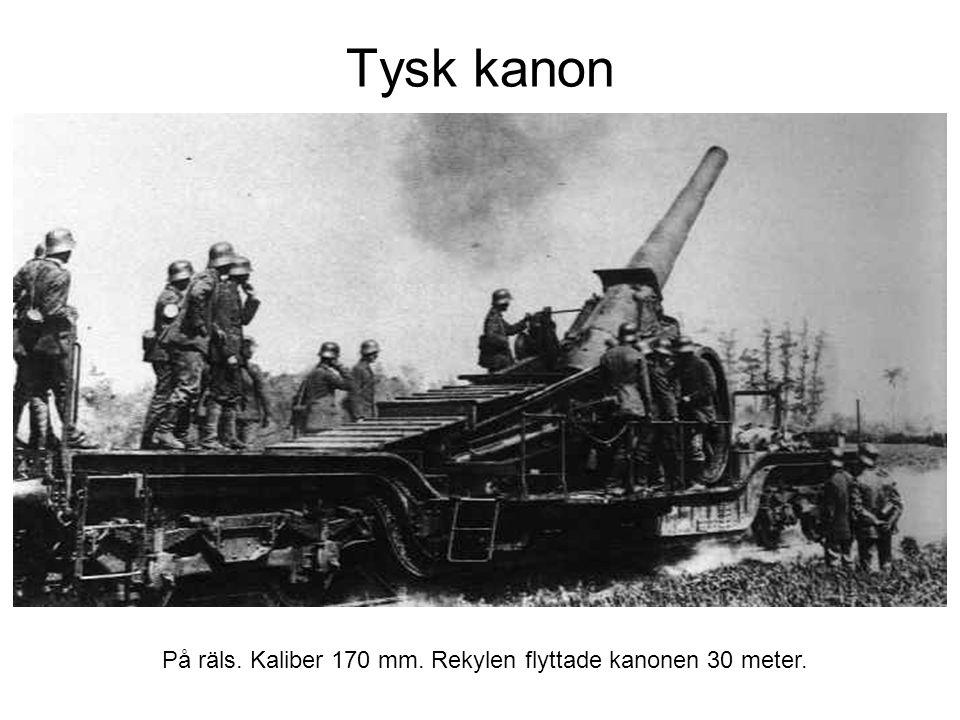 Tysk kanon På räls. Kaliber 170 mm. Rekylen flyttade kanonen 30 meter.